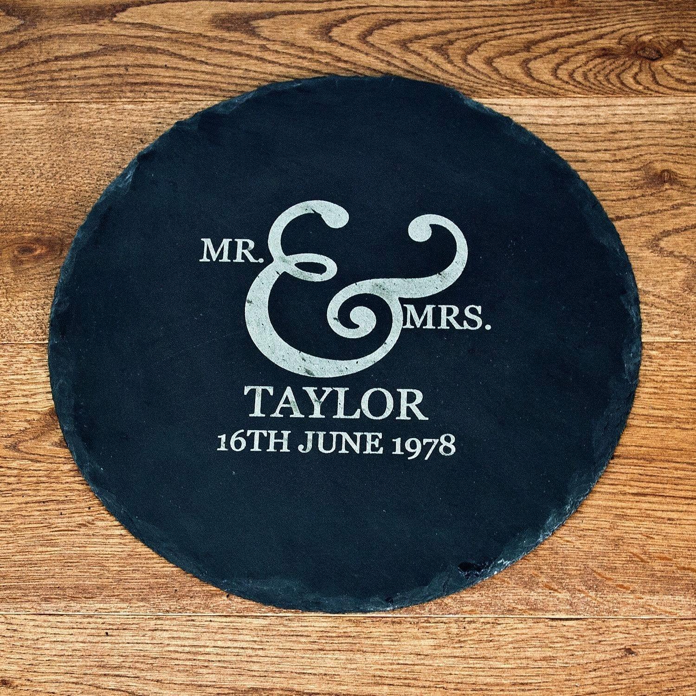 mr-and-mrs-roman-ampersand-round-slate-cheese-board-7894-p.jpg
