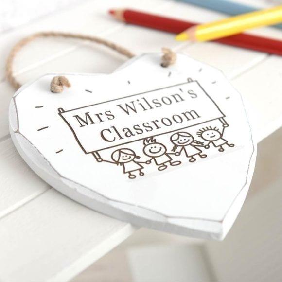 teacher-classroom-heart-hanging-plaque-3551-p.jpg